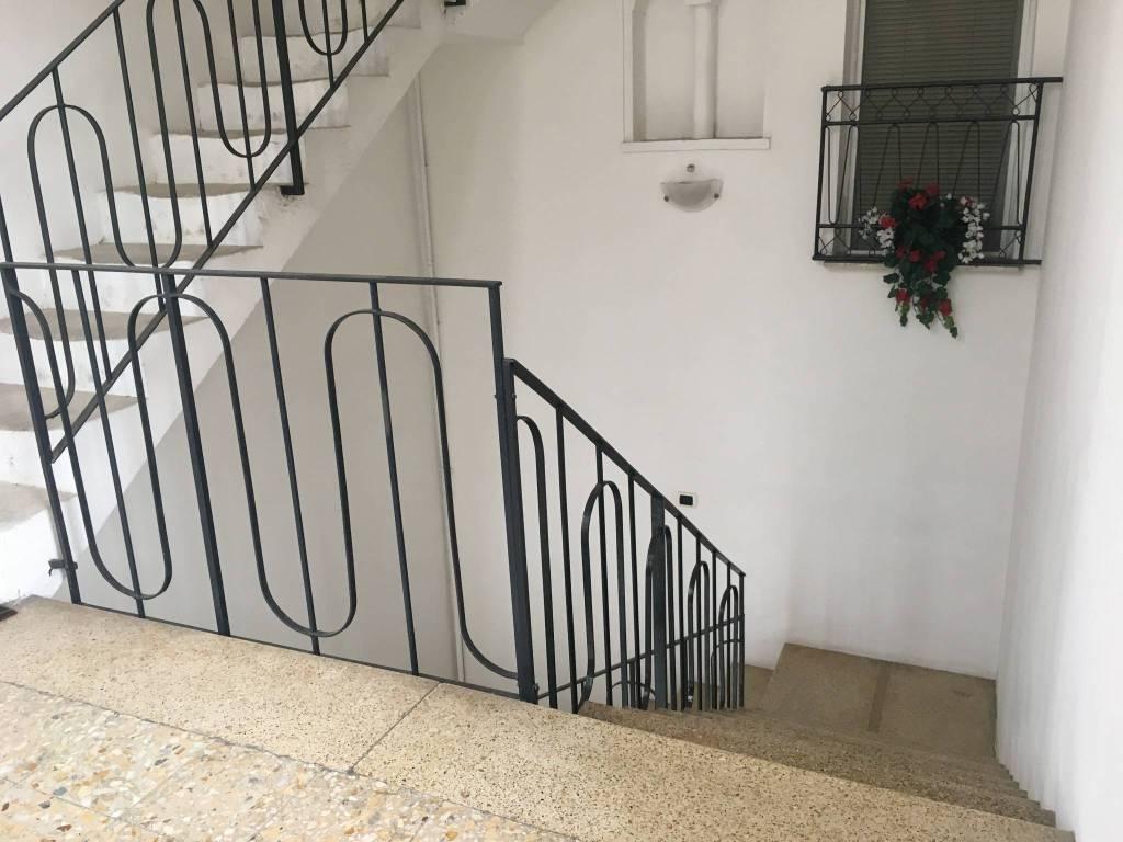 Appartamento in buone condizioni in vendita Rif. 8325565