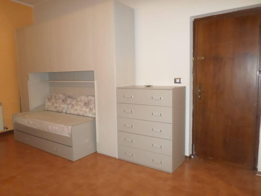 Appartamento in ottime condizioni arredato in affitto Rif. 7361162