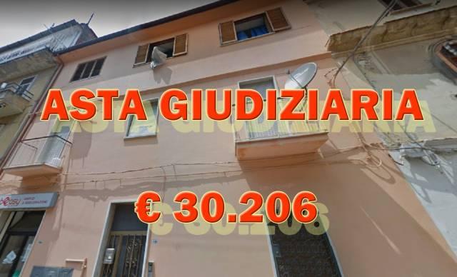 Appartamento in buone condizioni in vendita Rif. 6738399