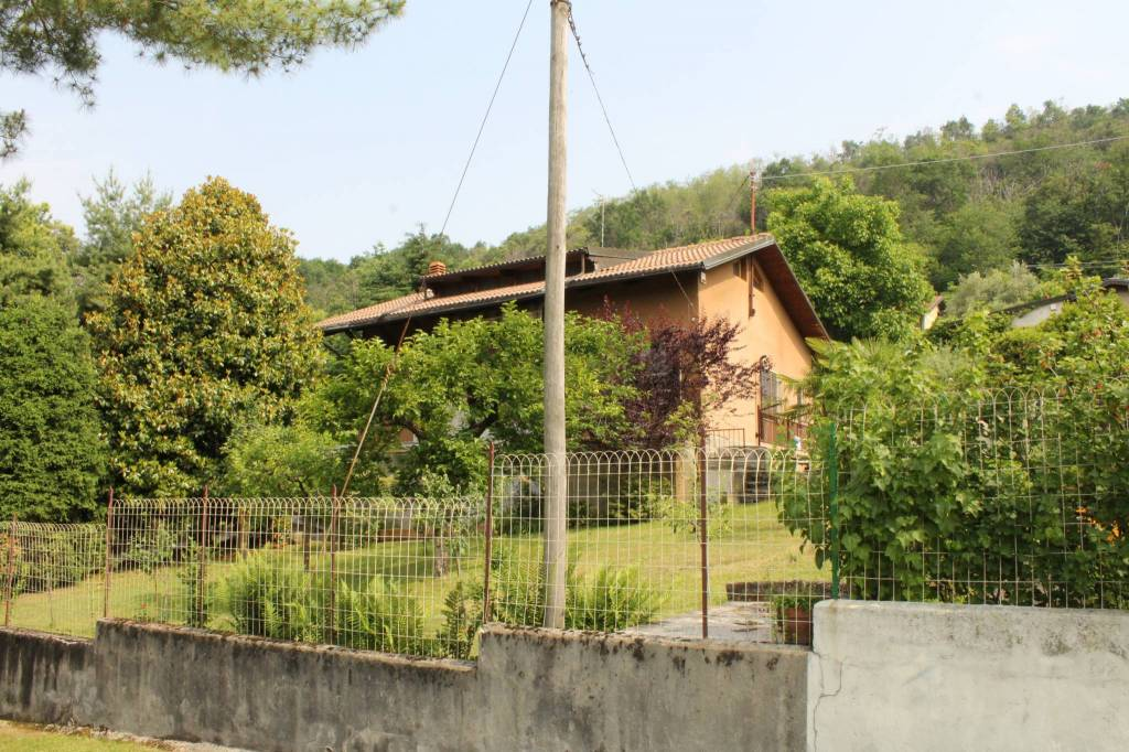 Villa in buone condizioni in vendita Rif. 6739270