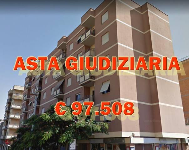 Appartamento in buone condizioni in vendita Rif. 6738400