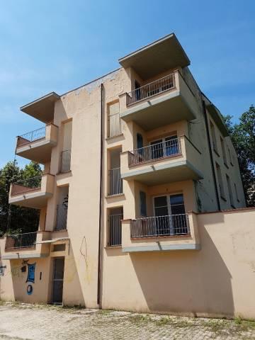 Appartamento in buone condizioni in vendita Rif. 6742789
