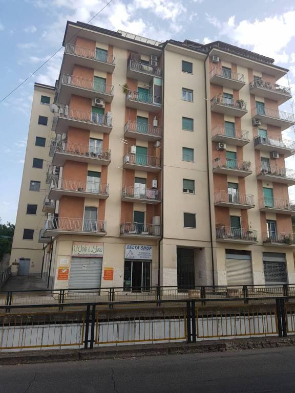 Appartamento in ottime condizioni in vendita Rif. 9151165