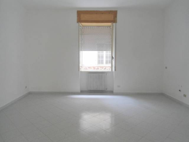 Appartamento in buone condizioni in affitto Rif. 6735773
