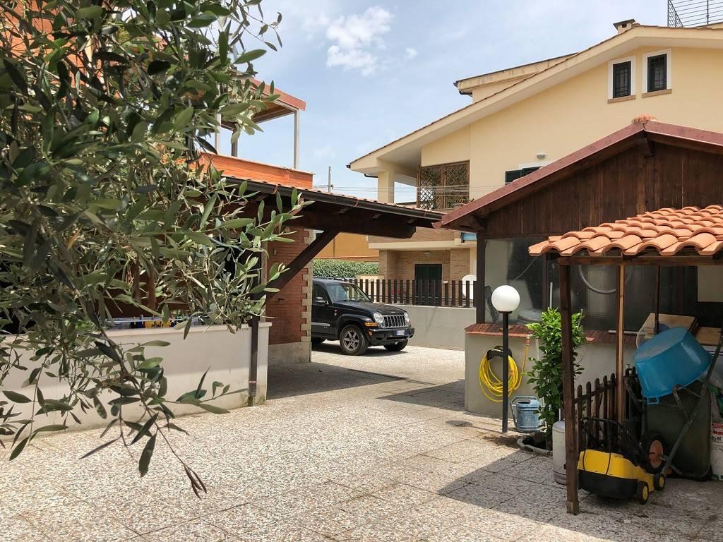 Appartamento in buone condizioni in vendita Rif. 7310423