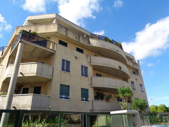 Appartamento in ottime condizioni in affitto Rif. 6737442