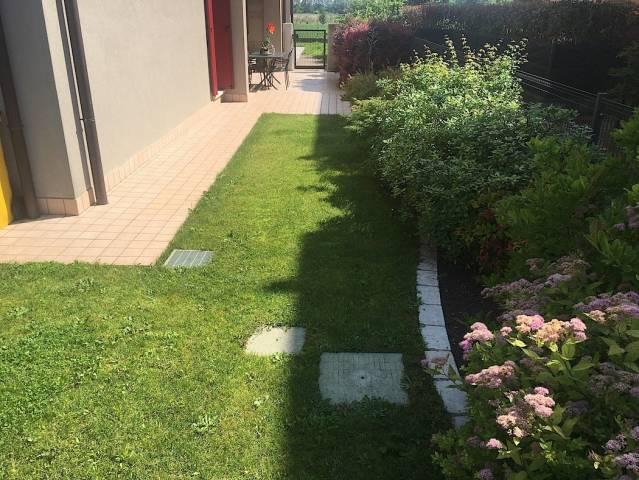 Recente bicamere semi arredato con ampio giardino!