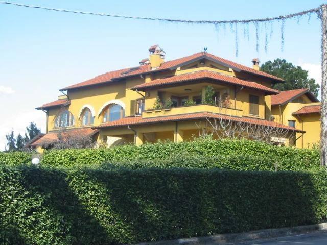 Appartamento in ottime condizioni in vendita Rif. 6741981