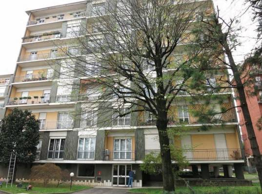 Appartamento in buone condizioni in vendita Rif. 8640522
