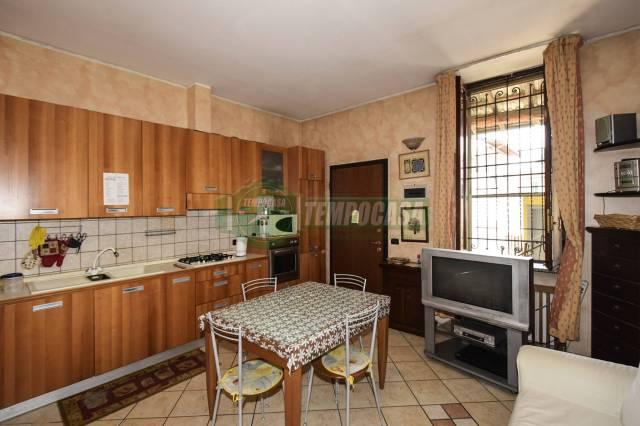 Appartamento in buone condizioni arredato in affitto Rif. 6742815
