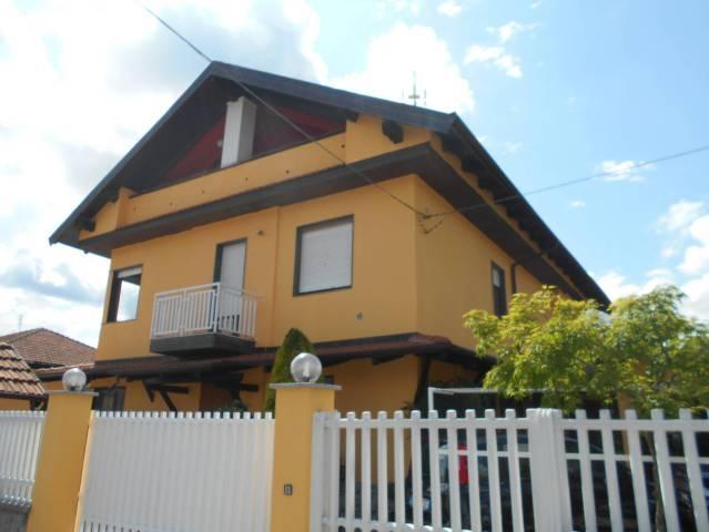 Appartamento in ottime condizioni in vendita Rif. 6741943