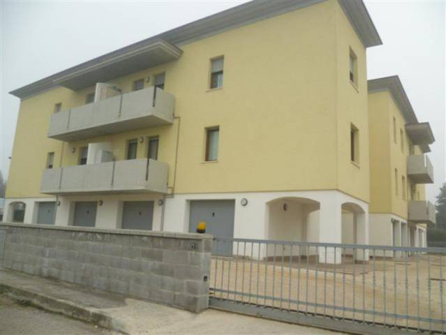 Appartamento in vendita a Rodigo, 3 locali, prezzo € 85.000 | CambioCasa.it