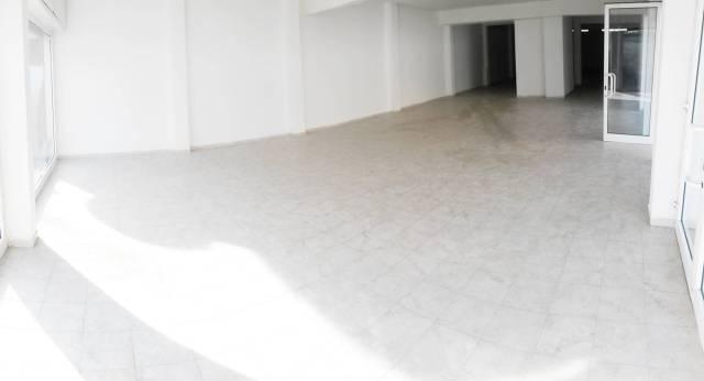 Latina - Via del Lido, Locale commerciale 5 vetrine mq 240 Rif. 6736711