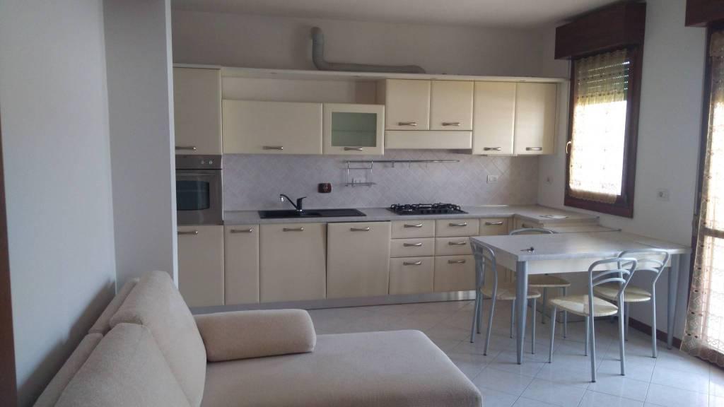 Appartamento in ottime condizioni in vendita Rif. 9244629