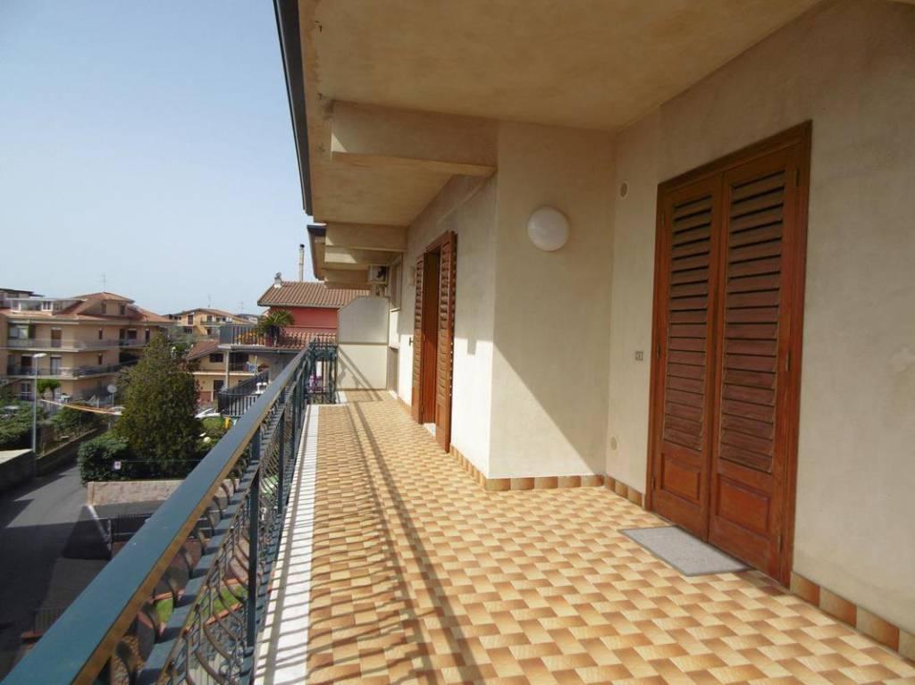 Appartamento in Vendita a Valverde Centro:  5 locali, 130 mq  - Foto 1