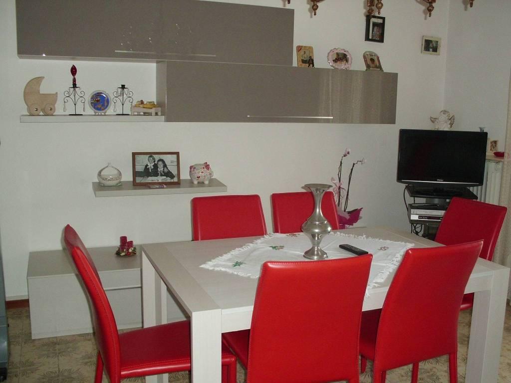 Appartamento in buone condizioni in affitto Rif. 6757859