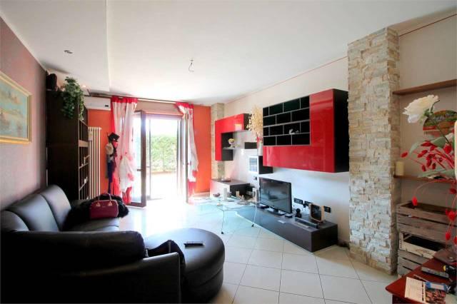 Appartamento in ottime condizioni in vendita Rif. 6756180