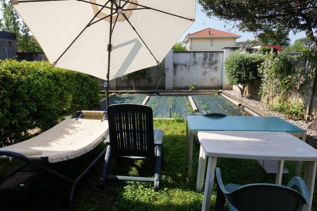 Appartamento in ottime condizioni parzialmente arredato in vendita Rif. 6753892