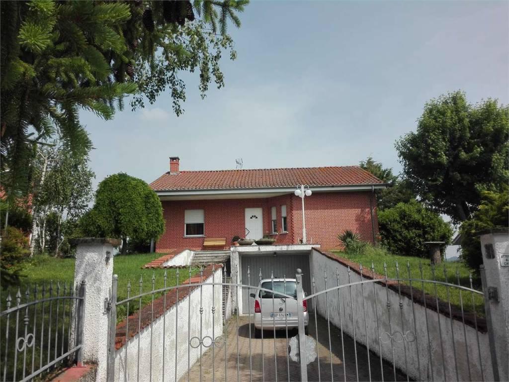 Villa in vendita a Tigliole, 6 locali, prezzo € 210.000 | CambioCasa.it