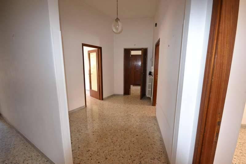 Appartamento in buone condizioni in vendita Rif. 6694691