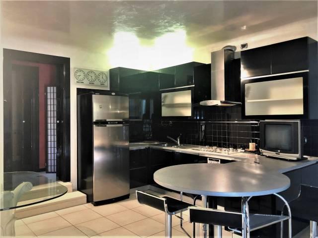 Appartamento in ottime condizioni arredato in affitto Rif. 6757285