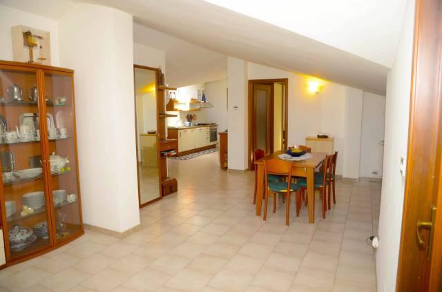 Appartamento in buone condizioni in vendita Rif. 6616262