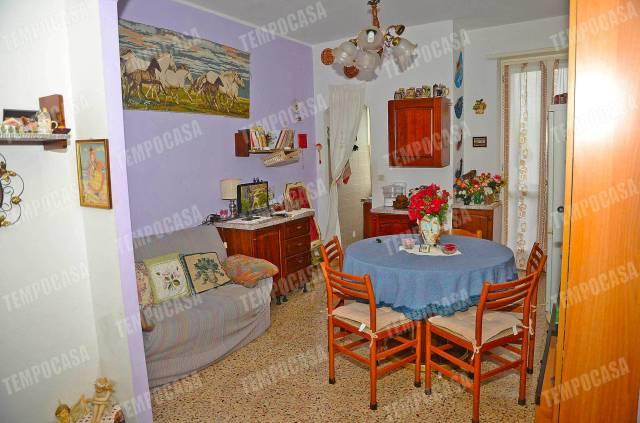 Appartamento in buone condizioni in vendita Rif. 6756063