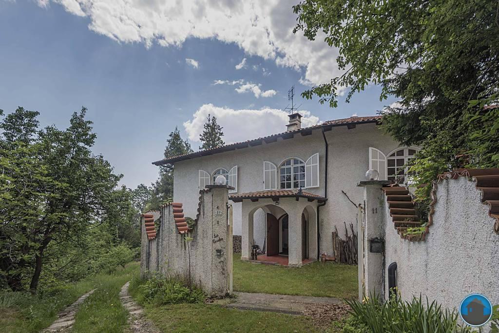 Villa in buone condizioni in vendita Rif. 8061856
