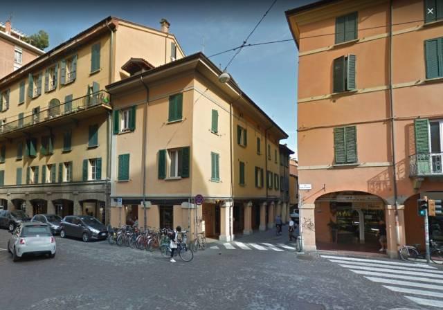 Negozio-locale in Affitto a Bologna Centro: 1 locali, 80 mq
