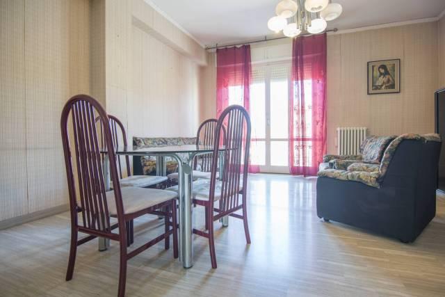 Appartamento in buone condizioni in vendita Rif. 6759057