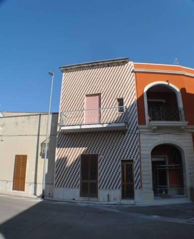 Appartamento in Vendita a Arnesano Centro:  4 locali, 80 mq  - Foto 1