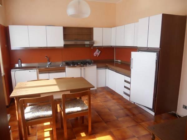 Appartamento in buone condizioni parzialmente arredato in vendita Rif. 6757070