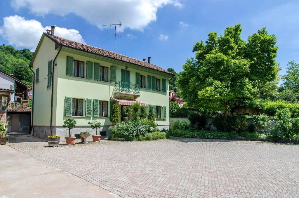 Rustico / Casale in buone condizioni in vendita Rif. 9164899