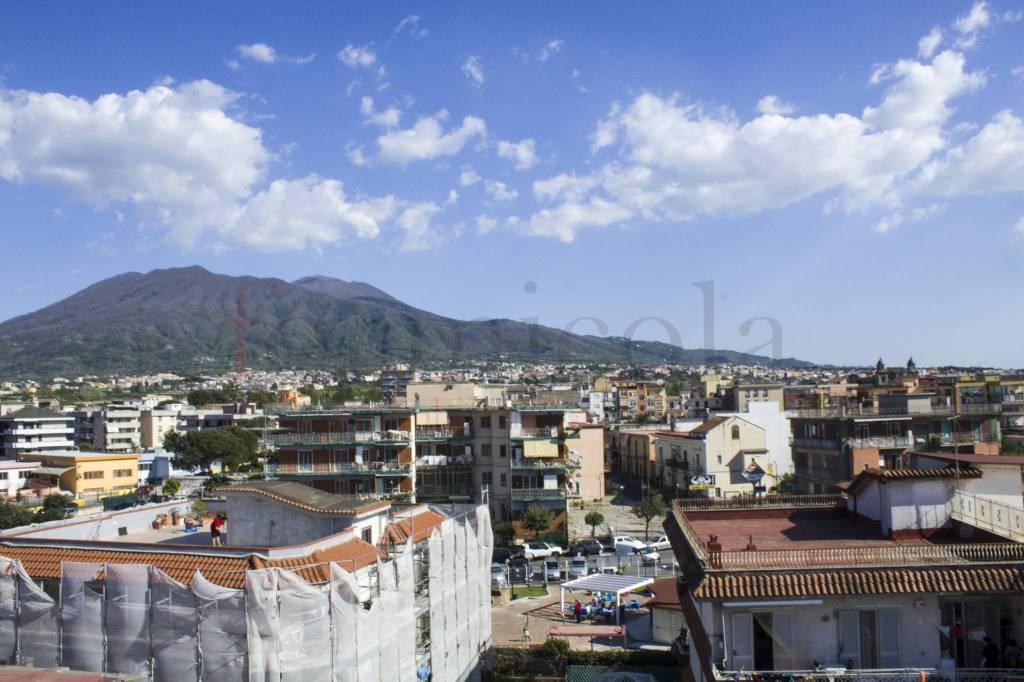 Panoramico appartamento con vista Vesuvio