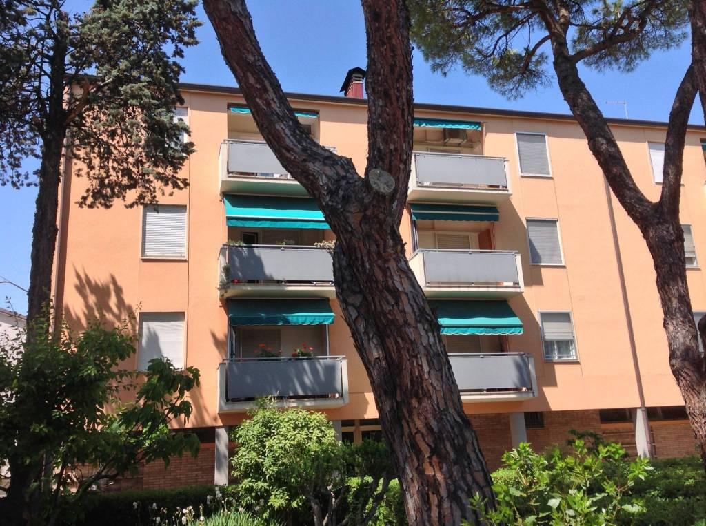 Appartamento in ottime condizioni in vendita Rif. 9058624