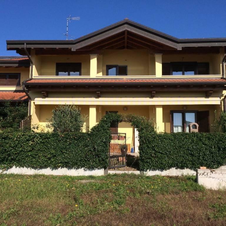 Appartamento in ottime condizioni arredato in affitto Rif. 6755703