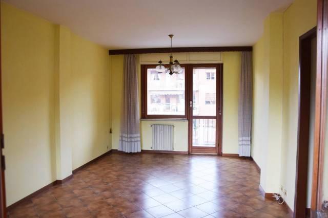Appartamento in buone condizioni in vendita Rif. 6754517