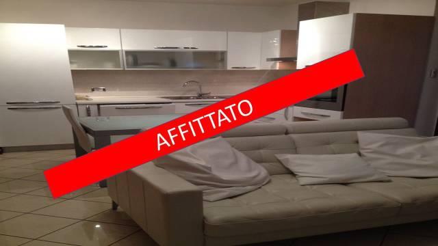 Appartamento in ottime condizioni arredato in affitto Rif. 5409449