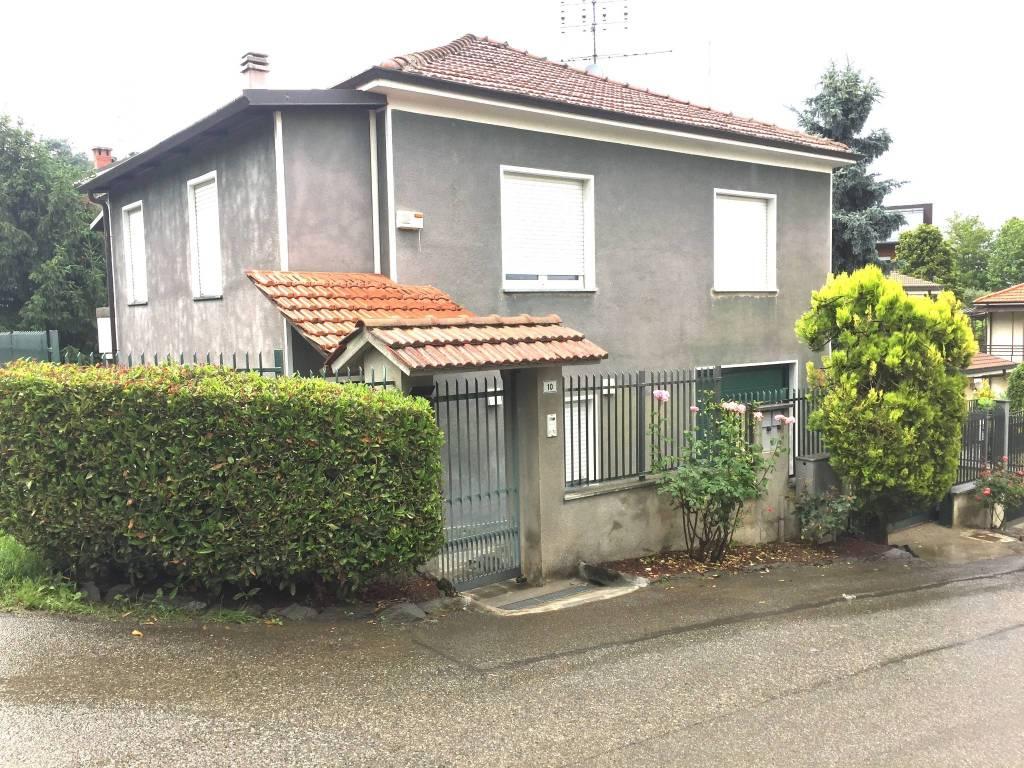 Appartamento in ottime condizioni arredato in affitto Rif. 6754522