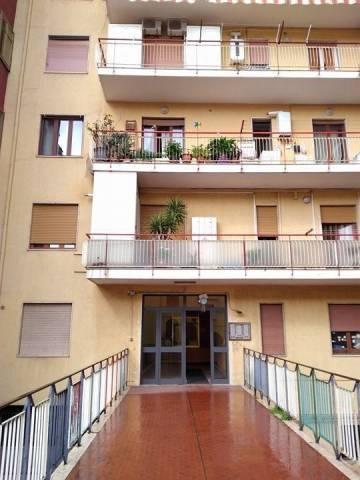 Appartamento in buone condizioni in vendita Rif. 6807606