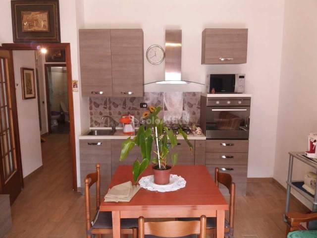 Appartamento in buone condizioni arredato in affitto Rif. 6830166