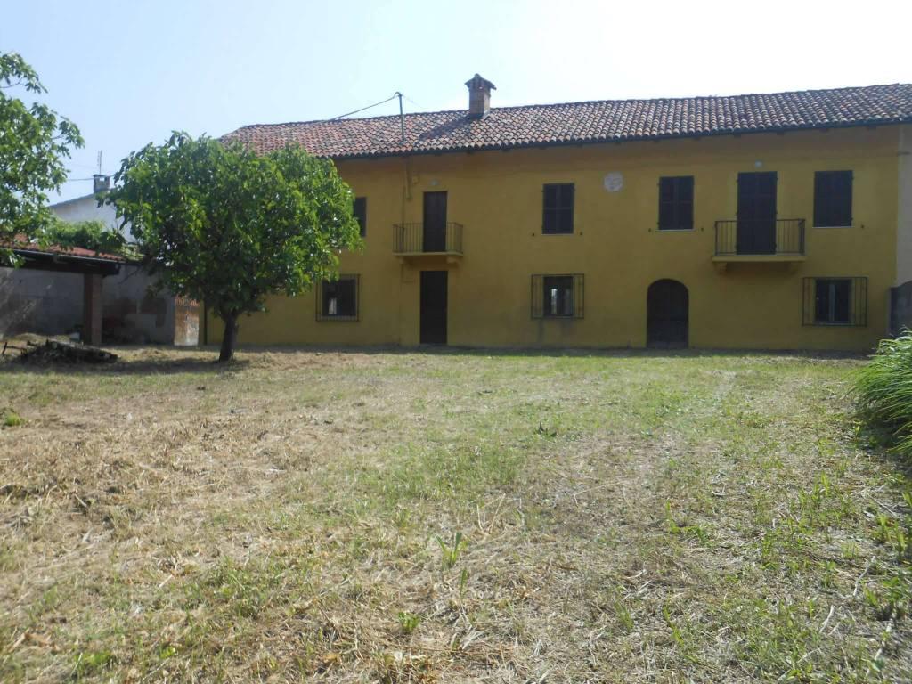 Rustico / Casale in vendita a Cortazzone, 9 locali, prezzo € 89.000   CambioCasa.it