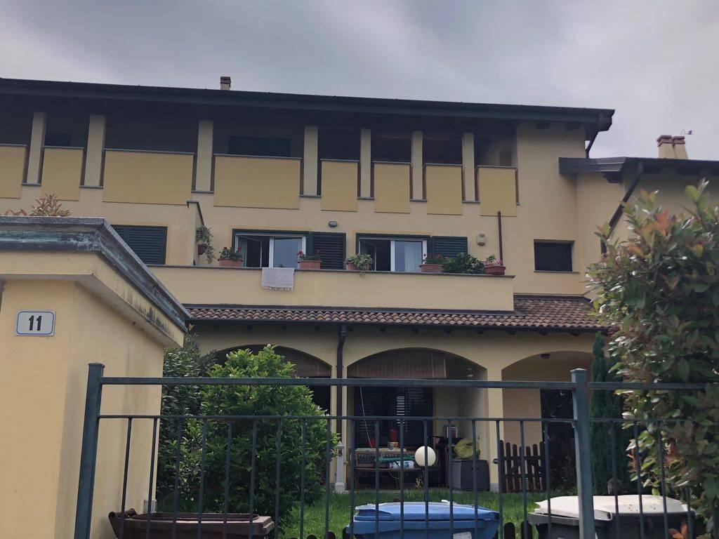 Appartamento in ottime condizioni in vendita Rif. 6771281