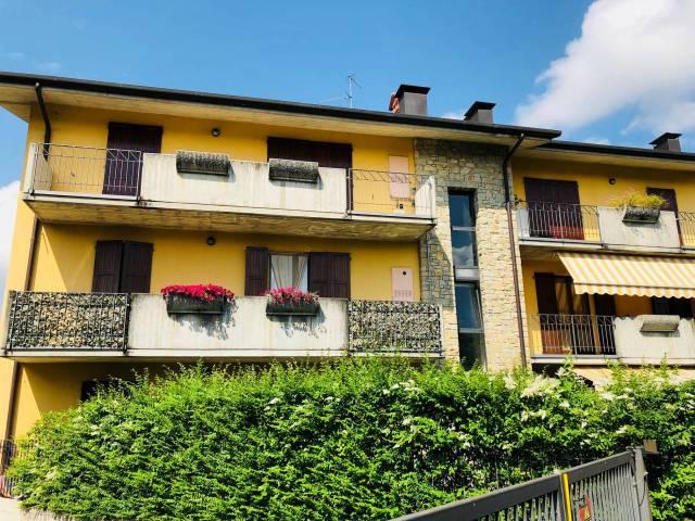 Appartamento in buone condizioni in affitto Rif. 6772485