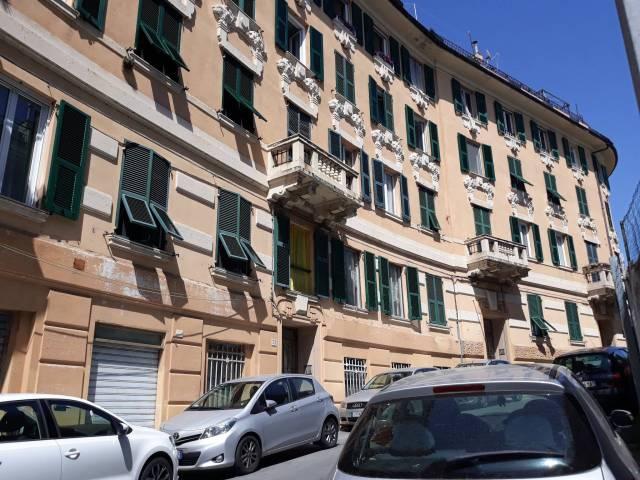 Appartamento in Affitto a Genova Centro: 5 locali, 90 mq