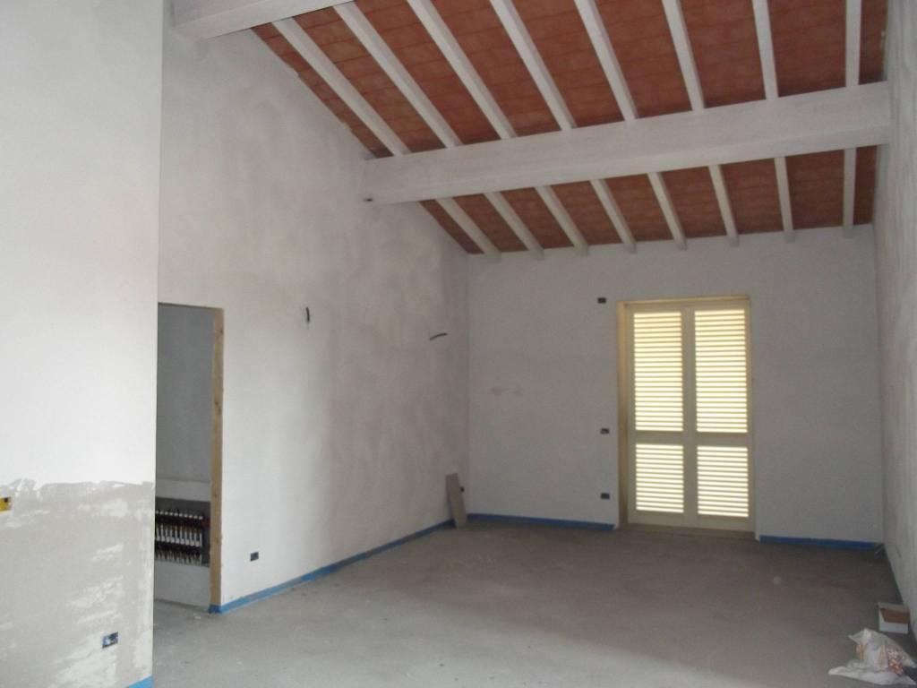 Appartamento in Vendita a Pontedera Centro: 4 locali, 141 mq
