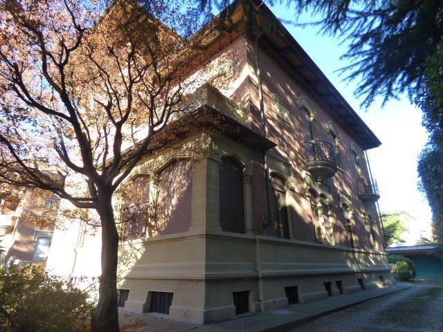 Villa in buone condizioni parzialmente arredato in vendita Rif. 6770737