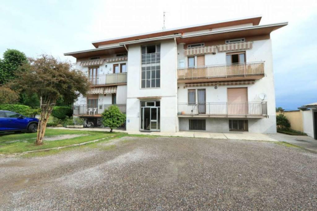 Appartamento in vendita a Origgio, 4 locali, prezzo € 160.000 | CambioCasa.it