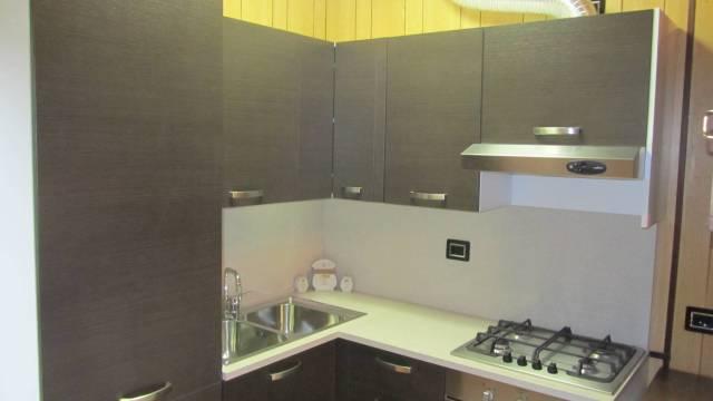 Appartamento in buone condizioni arredato in vendita Rif. 6774547