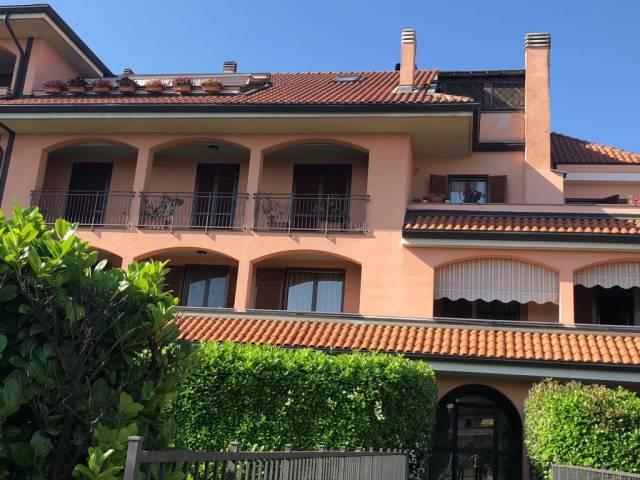Appartamento in buone condizioni in vendita Rif. 6771282